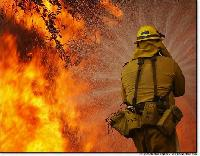 A tűzoltókat nemcsak a tűz veszélyezteti!